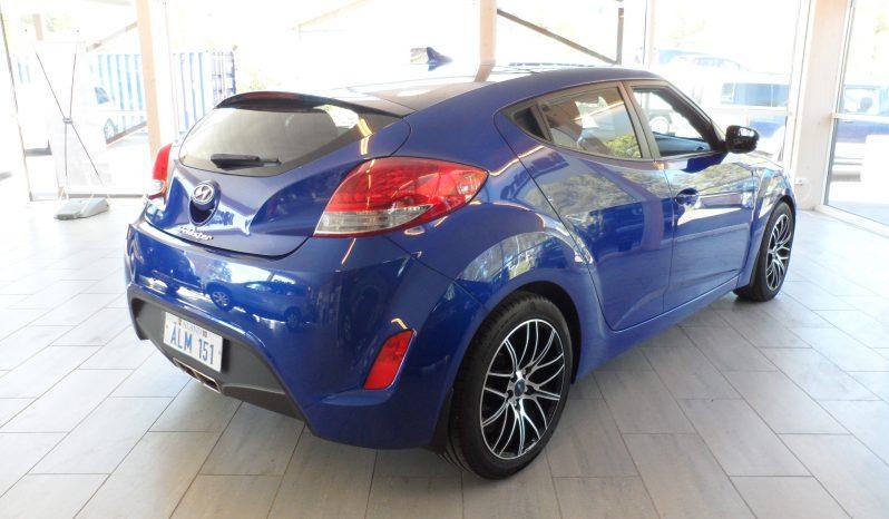 Hyundai Veloster 1,6 GDI 2+1 -2012 -Ålandssåld full